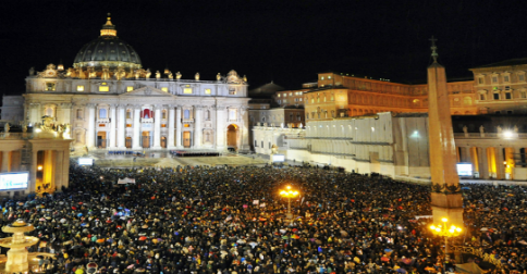 Papa Francesco declara que vai doar todo ouro do Vaticano