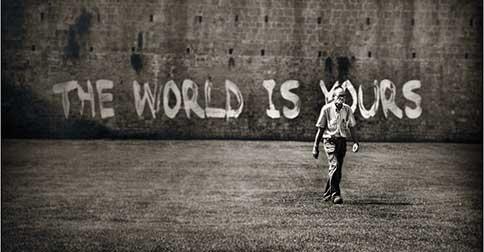 O que você é, o mundo é
