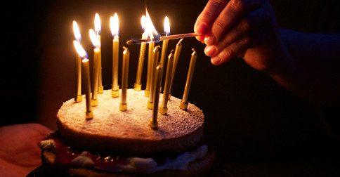 Ascensão - estamos procurando pelos fósforos para acender as velas do bolo