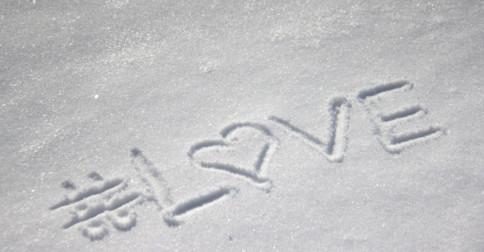 O amor é, não há nada e nenhum lugar onde o amor não exista