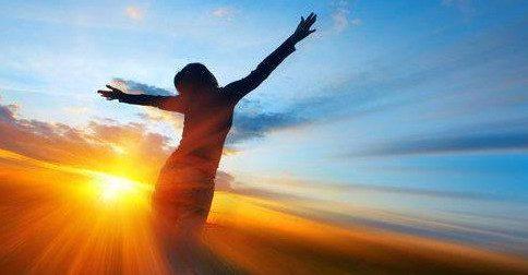 Investigue quais crenças limitantes está com você, liberte-se delas, e seja feliz