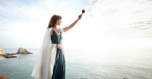 Maria Madalena - A mulher nada mais é que a representação do Divino