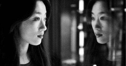 Louise Ray - olhando-me no espelho