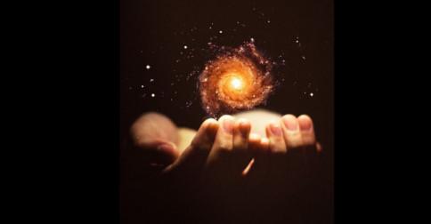 Eckhart Tolle – Você é a consciência na qual e através da qual tudo existe