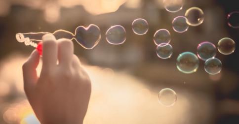 Estou alinhado com a presença divina do amor em mim
