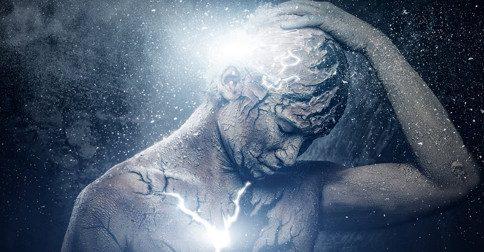 A relação dos sintomas no corpo físico e a iluminação
