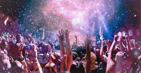 Hoje é um grande dia que está sendo festejado por toda a galáxia - Hoje um novo ciclo começou