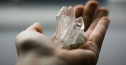 O poder dos cristais na ativação da 5° dimensão
