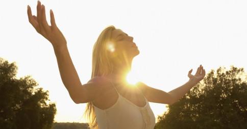 Acessar e incorporar a energia da Simplicidade da Fonte Divina