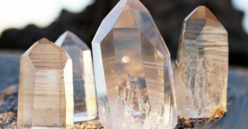 Fazendo conexões com cristais e pedras