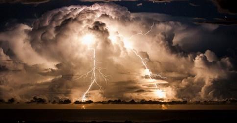 Estamos na tempestade agora e a energia do coletivo está muito mais alinhada