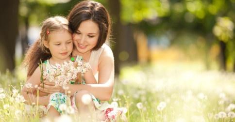 Divina Maria e as crianças que estão encarnadas