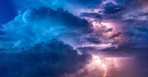 O mundo continua seu renascimento tempestuoso