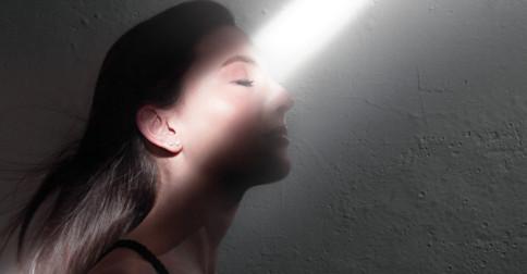 As habilidades de cura de um trabalhador da Luz