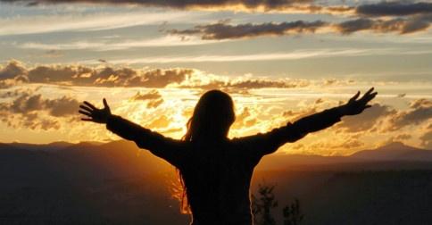 Como ser livre para viver a vida intensamente